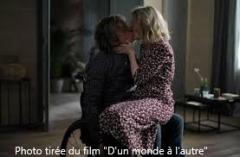 Couple qui s'embrasse _Film d'un monde à l'autre.jpg